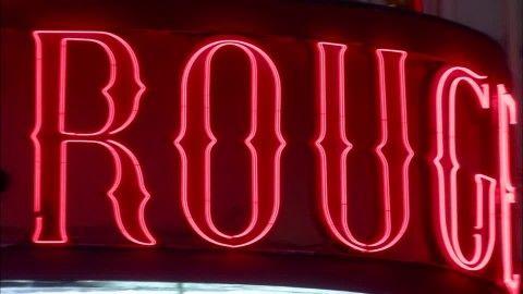 Moulin Rouge, Lumière au Néon, Vie nocturne, Réclame Lumineuse, Paris (France), Emblème, Nuit, Capitale, Destination de voyage, Bâtiment, Ville, Stock Footage,