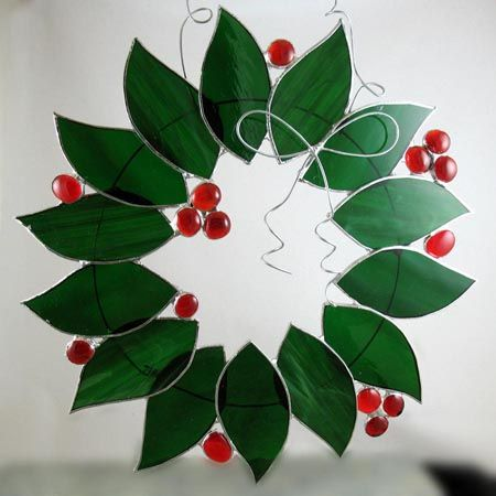 Holly Wreath with Berries Stained Glass