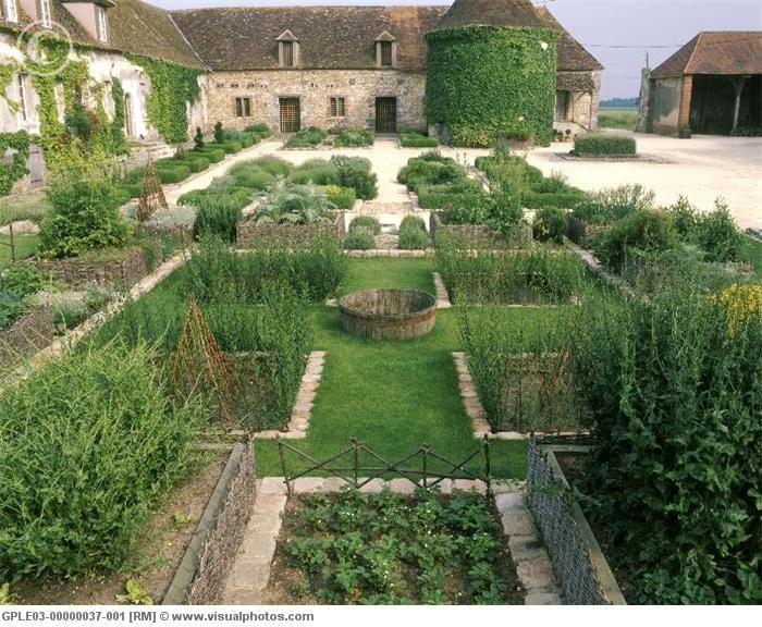 Jardin Medieval de Bois Richeux formal kitchen garden.