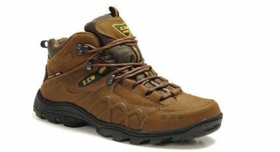 Мужская зимняя обувь на спортивной подошве