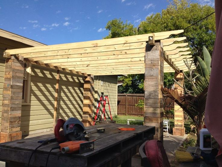 How to make a pergola from pallets