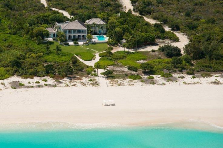 Saving Grace Villa on Grace Bay Beach/ #Stunning http://turksandcaicos.exceptionalvillas.com/amazing-grace-5-bedrooms-grace-bay/l227