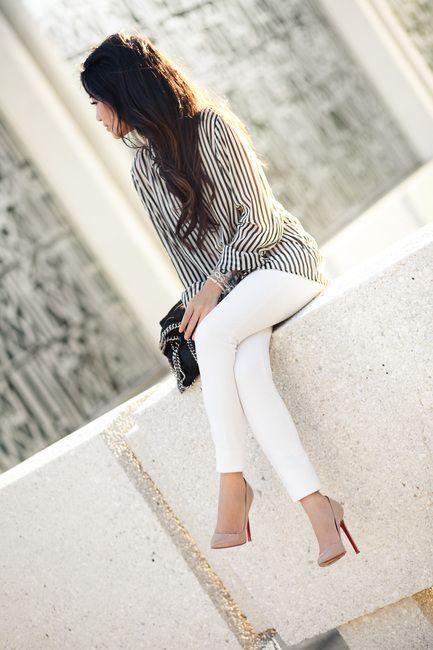 Striped   white   nude