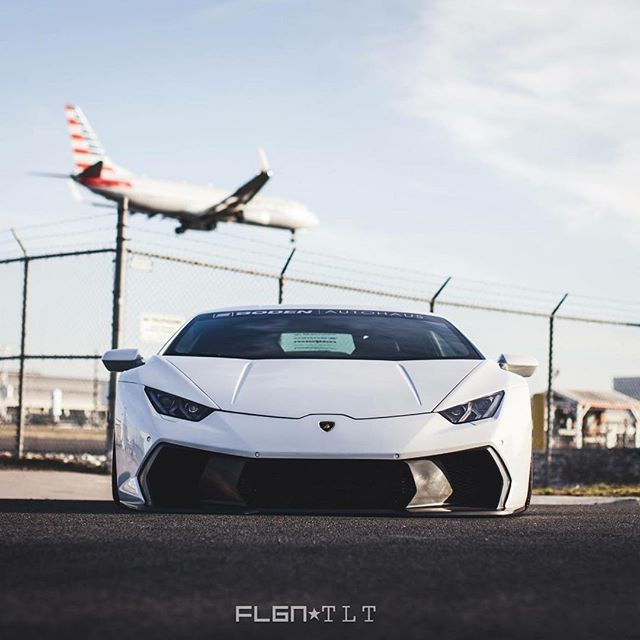 Jet like ✈️ @vorsteiner Novara RS #Lamborghini #Huracan with Center Exit Exhaust System built by @boden_autohaus More on www.huracantalk.com #lambo #lambohuracan #vorsteiner #carbon #carbonfiber #lp610 #v10 #huracantalk