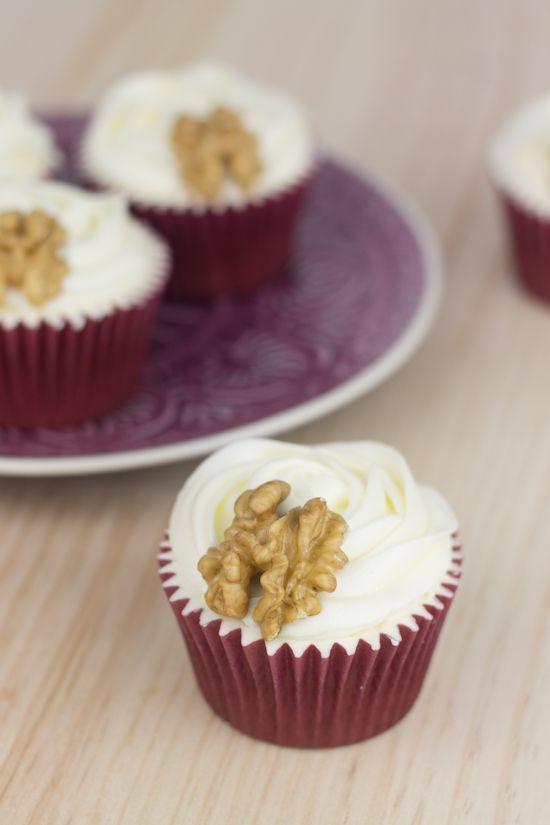 Objetivo: Cupcake Perfecto.: Hummingbird Cupcakes (O lo que es lo mismo, cupcakes de piña, plátano, coco y nueces...)