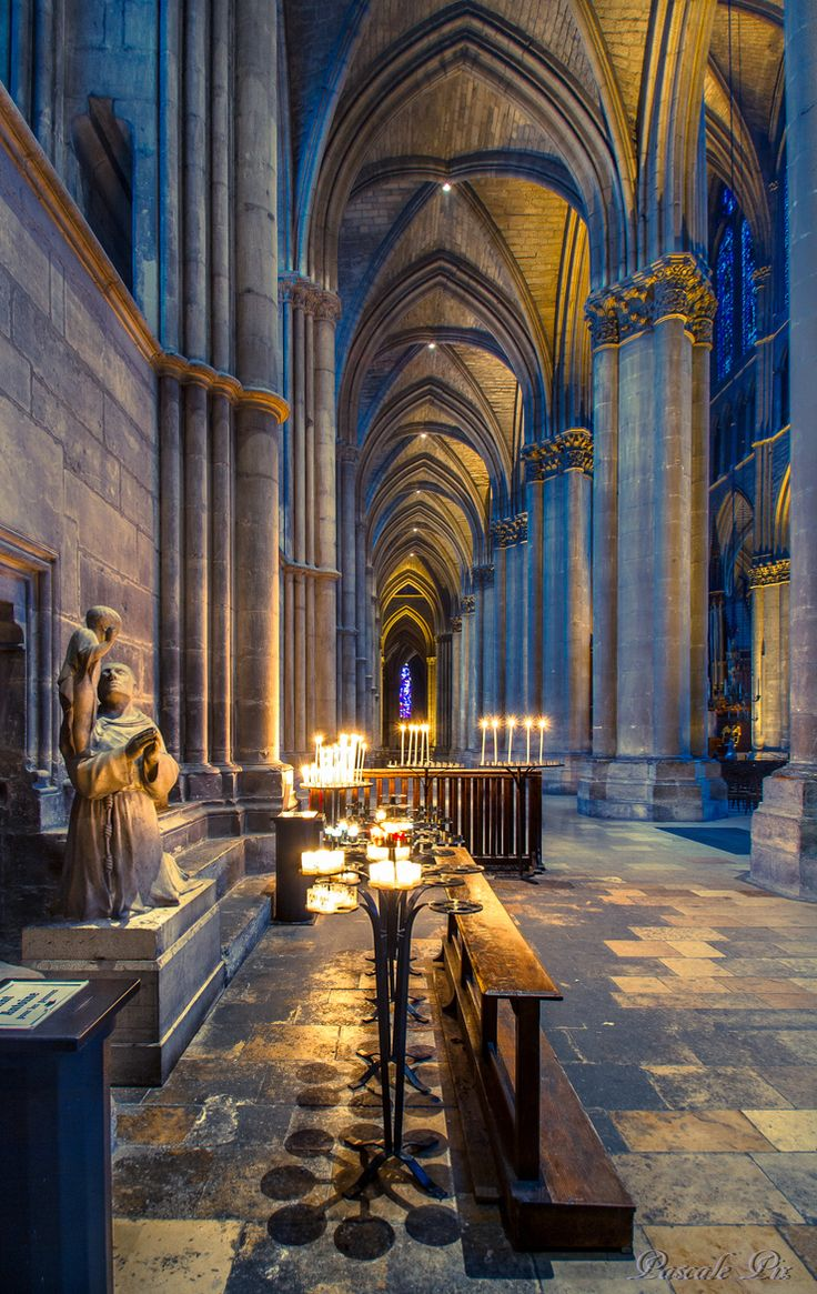 Cathédrale de Reims - Notre Dame Cathedral, Paris. Queen Iris's kingdom before it turns darker. Book 1