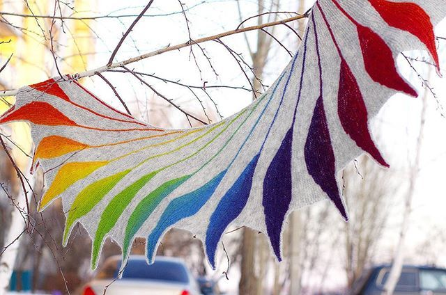 Шаль Dreambird из Кауни 8/2 #dreambird, #kauni, #knitstagram, #hm_knit, #handmade, #rainbow, #rainbowkauni, #shawl, #knitting, #шаль, #птицадивная, #вязание, #ручнаяработа, #кауни, #вяжутнетолькобабушки, #super_world_hm, #knitcreativ, #trade_handmade, #knitstagram