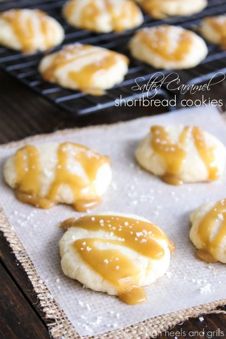 Salted Caramel Shortbread Cookies - these NEED to go in your neighbor goodie bags this Christmas!