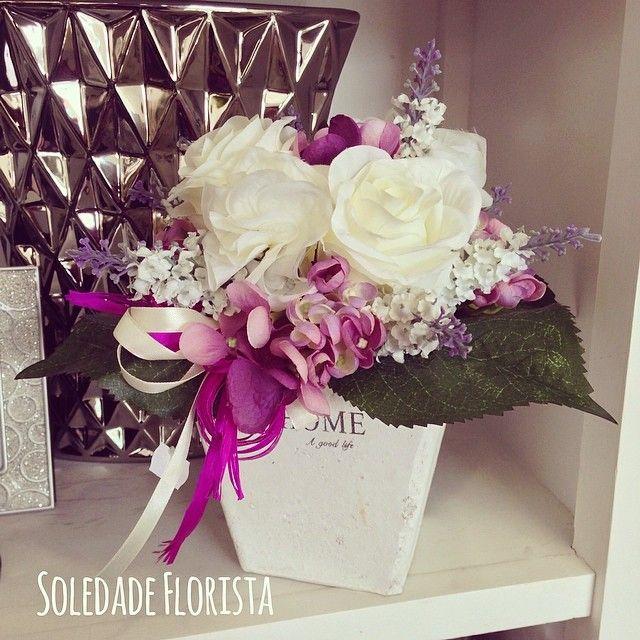 Vasinho de flores! #soledadeflorista #flores #flowers #decoração #decor #portugal