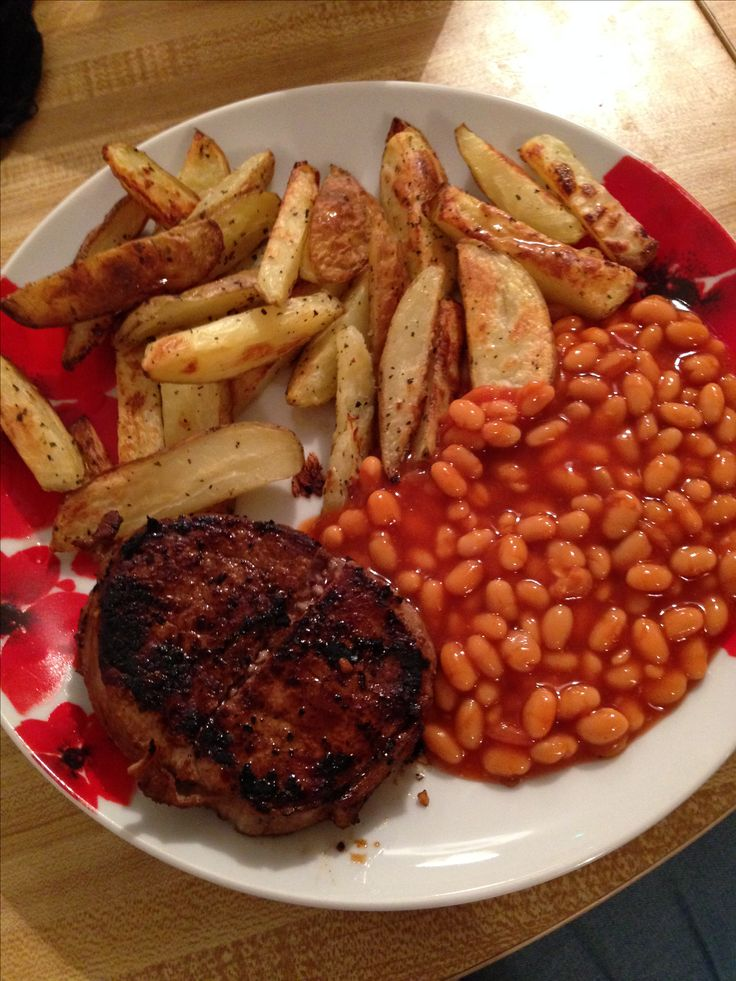 Saturday night steaks are a must  syn free meal, steak medallion, baked beans and SW homemade chips, no speed but it's the weekend! #SlimmingWorld