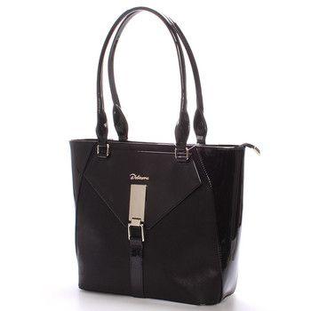 #novinka #Delami Elegantní polo-lakovaná dámská kabelka v luxusní černé barvě. Kabelka na každodenní nošení třeba do práce. Perfektně padne na rameno i s bundou, má pevný tvar a zespodu ochranné cvočky. Uvnitř je dělený prostor s postranními kapsičkami.
