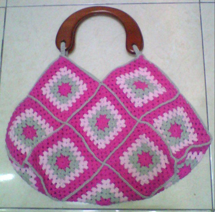 9 best Granny Square Bag Crochet images on Pinterest   Omas ...