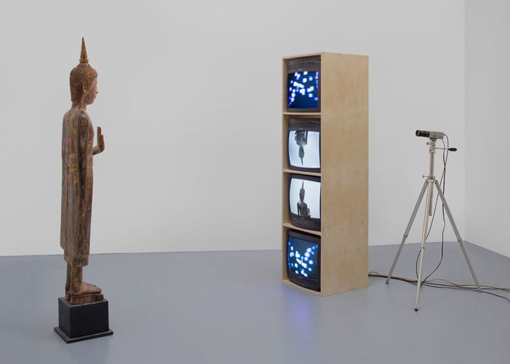 Nam-June-Paik-Standing-Buddha-with-Outstretched-Hand-2005-©-Nam-June-Paik-Estate-Courtesy-of-Gagosian-Gallery.jpg (900×644)