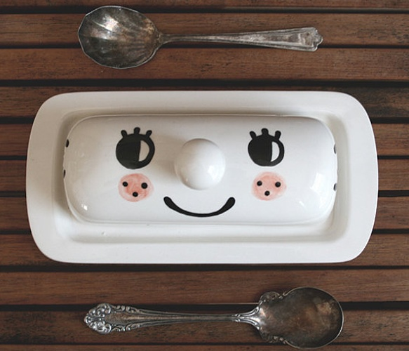 For some reason I just love this. I am going to find a butter dish at a paint your own pottery place to do this at.