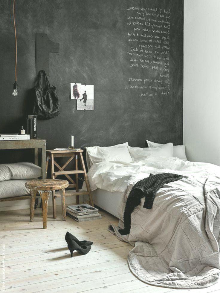 Camera da letto con parete lavagna nera – Decorazione Pareti ...