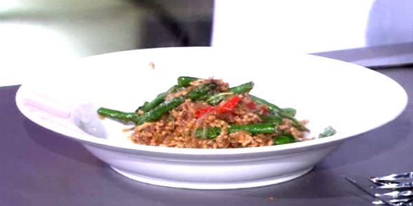 Chilli and Basil Pork Noodles