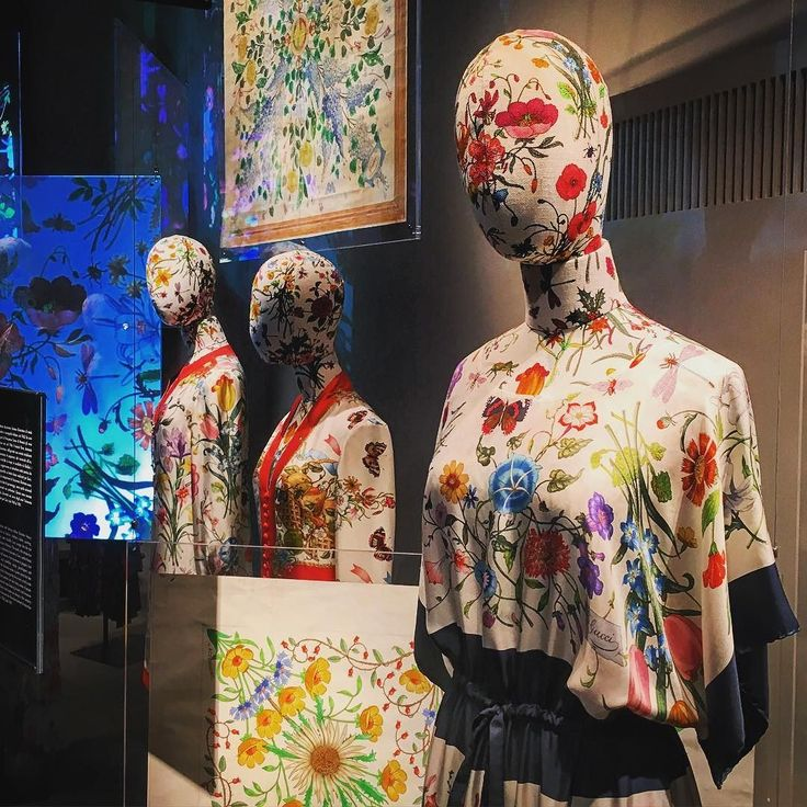 When #gucciflora print became an obsession. In love with the vintage #accornero's designs for @gucci scarves showcased in the @guccimuseo! Definitely another not-to-miss-visit to understand the history of fashion and the relationship between #florence and #italianfashion! #firenzebyalexcommentator #gucci #guccimuseo #flora #floraprint #florapattern #fashionculture #fashionhistory #fashionclass #fashionmuseum #fashionexhibition #fashionarchive #fashion #prints