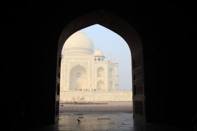 My Brazilian friends are on a trip around the world. They're currently in India. Such pretty photos!