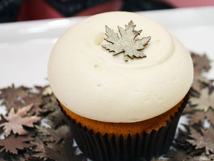 Pumpkin Spice Cupcakes with Maple Cream Cheese Icing - recipe from Georgetown Cupcakes