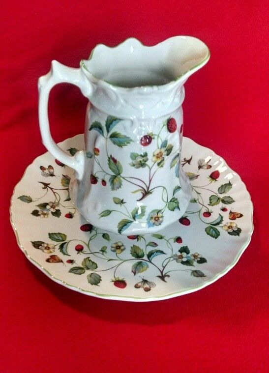 James Kent Strawberry Pattern Pitcher and Plate. Staffordshire England #JamesKent & 4185 best Strawberries an addiction. images on Pinterest ...