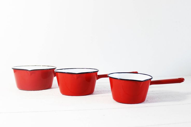 Looking for the final touch to add to your french farmhouse kitchen decor? What about a set of 3 french red enamel pans. They are highly decorative and can be hanged above your kitchen counter, thats how french coos like to store and display them! This red enamel saucepan set is vintage. Those French enamel saucepans are a great vintage enamel cookware set to add to your kitchen decor. These red enamel saucepans comes in a set of 3 stackable sauce pans. ♥ Want to SAVE 15% OFF your order?…