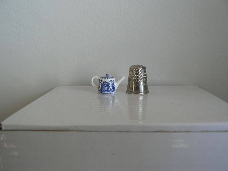 !/12th scale hand sculpted and painted Chinese blue and white ware.