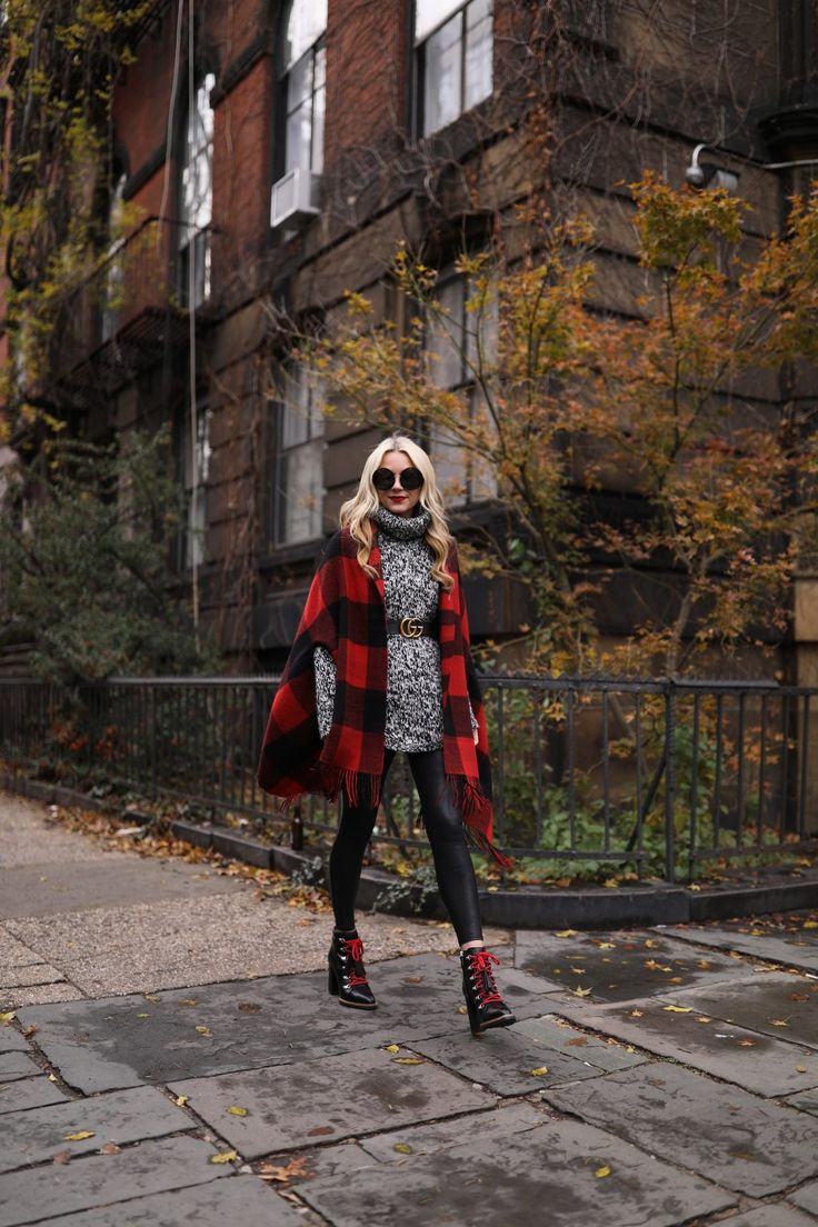 Casual holiday outfit // Boots, leggings, oversized sweater, cape, plaid poncho, Atlantic-Pacific
