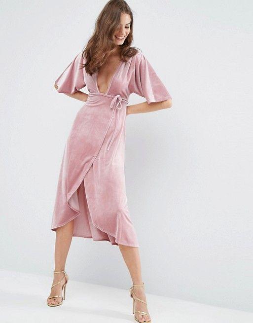 Vestido a media pierna estilo kimono de terciopelo con escote pronunciado y diseño anudado