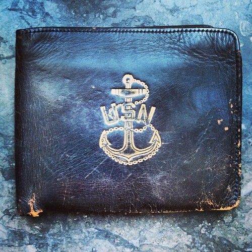 US Navy leather wallet. Canny find wan anywhere.