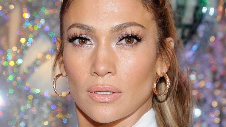 So, Jennifer Lopez Just Got Early 2000sBangs | StyleCaster