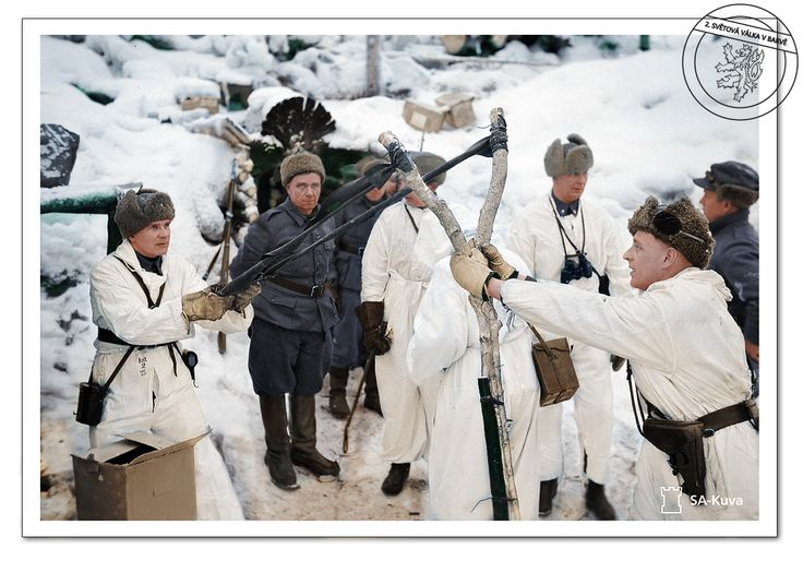 / Finští vojáci metají ruční granáty do sovětských pozic pomocí praku. Finsko, Zimní válka, 1939. / / Finnish soldiers flung grenades into Soviet positions using a sling. Finland, Winter War, 1939. /