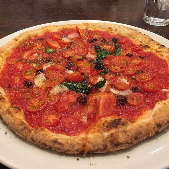 PIZZA SALVATORE CUOMO & BAR 新宿 - マリナーラ - Foodspotting