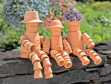 Flower Pot PeopleGardens Ideas, Outdoor, Flower Pot People, Gardens Art, Flower Pots People, Yards, Flowerpot, Crafts, Clay Pots People