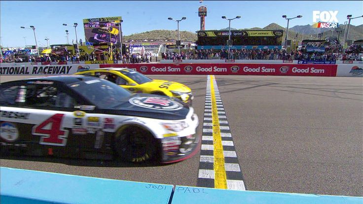 Closest finish in the history of Phoenix International Raceway! 0.01 seconds between winner Kevin Harvick and runner-up Carl Edwards. http://ift.tt/1M10f9f Love #sport follow #sports on @cutephonecases