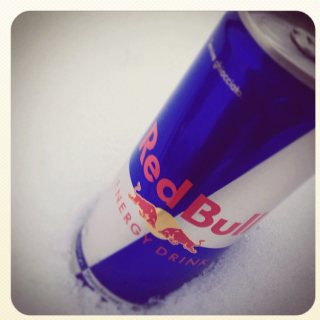 Sponsors of the Event Served chilled #redbull #snow