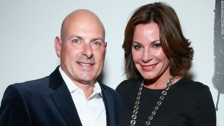 """Tom DAgostino Jr. and his reality star wife, the former Luann de Lesseps, have split. """"The Real Housewives of New York City"""" star <a href=""""https://twitter.com/CountessLuann/status/893167910138589184"""" target=""""_blank"""">tweeted on August 3</a> that she and her husband of seven months had decided to divorce."""