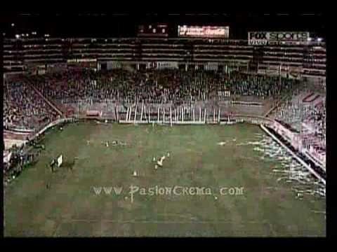 Salida de Universitario vs libertad en la Libertadores 2010...