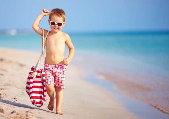 Как предотвратить солнечный и тепловой удар у ребенка
