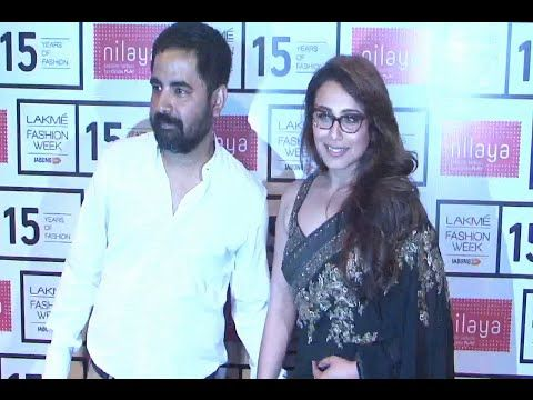 Rani Mukherjee gorgeous in black saree at the opening show of Lakme Fashion Week 2015.  See the videos at : http://youtu.be/970JENGHCJo #ranimukherji #ranimukherjee #lfw2015 #lakmefashionweek2015