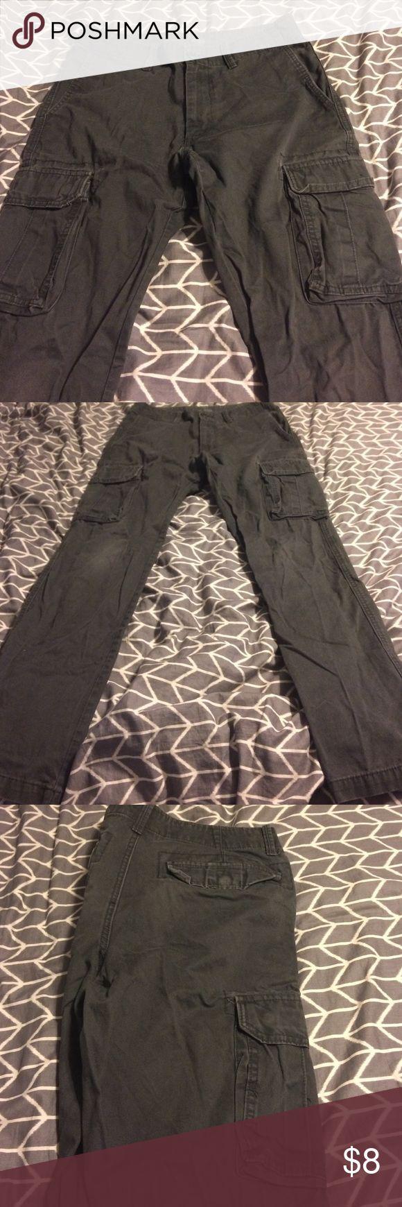 Men's old navy cargo pants 31x34 Men's old navy gray broken-in cargo pants. Size 31x34. Great used condition Old Navy Pants Cargo