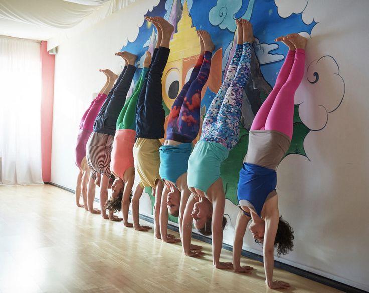 NUR NOCH BIS MORGEN 30.06. gilt unser Premium-Mitgliedschaft-Sofort-Special:  Wer sich jetzt entscheidet, 200 Std. Yogalehrer/in zu werden, dem machen wir den Einstieg in die Praxis leicht:  Mit der Anmeldung* hast du ab sofort unbegrenzten Zugang zu allen Yogakursen bei Power Yoga Germany bis zum Ende der Ausbildung 2017/2018.