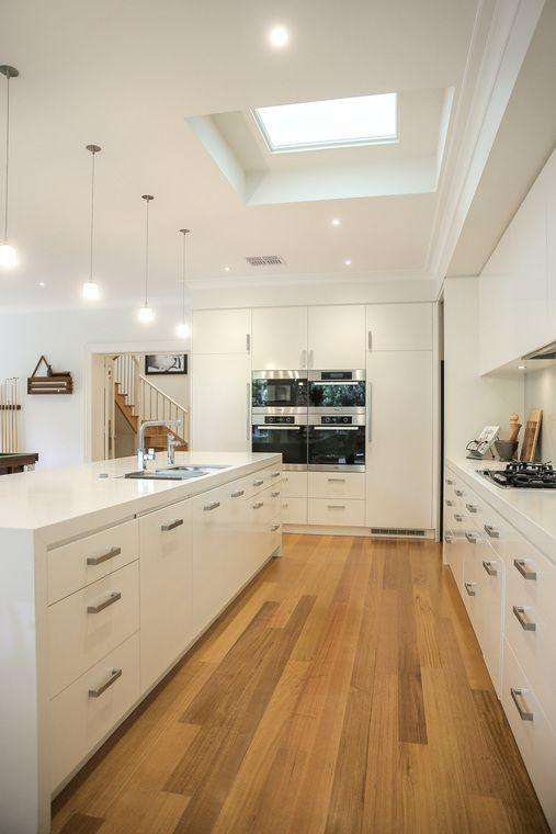 http://images.listonce.com.au/listings/17-rowen-street-glen-iris-vic-3146/240/00344240_img_26_x760.jpg?8