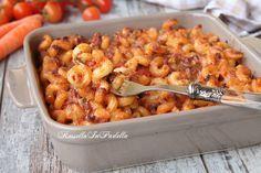 Pasta al forno alla siciliana. Primo piatto palermitano, molto gustoso, con ragù di carne e piselli. Ideale per gite o da portate al mare.