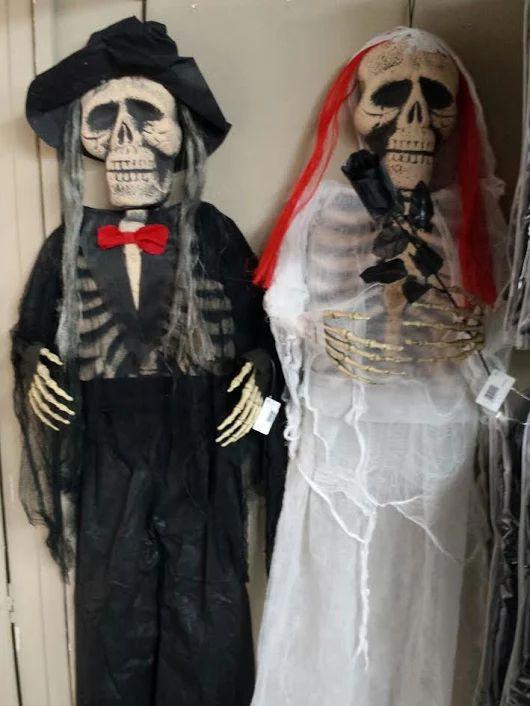 Θέλετε να γιορτάσετε το φετινό #Halloween στις 31 του μήνα; Ψάχνετε για #διακόσμηση και #στολές για να εντυπωσιάσετε; Δεν χρειάζεται να αυτοσχεδιάζετε και να ανοίγετε το μπαούλο της γιαγιάς! Επισκεφθείτε την έκθεσή μας με προϊόντα Halloween στο κατάστημα #MySeason στα Μελλίσια και βρείτε ό,τι χρειάζεστε!      Λεωφόρος Πεντέλης 29 Μελλίσια   ΤΚ 15127  Τηλ 210 8030033 Fax 210 8030020  Καθημερινά 10.00-21.00 και Σαββατοκύριακα