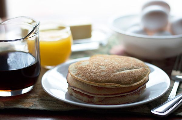 Low Carb Almond Flour Pancakes - these delicious grain free pancakes are made with almond flour and lightly sweetened