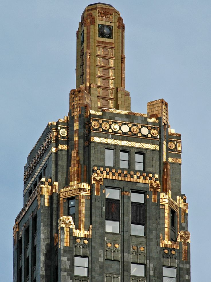 decoarchitecture: Carbide and Carbon Building, Chicago Illinoisby Terence  Faircloth Top of one of my favorite Deco skyscrapers.