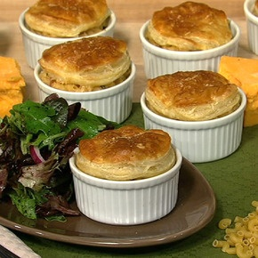 Seriously?? Comfort food hit...maybe top with a biscuit though instead of puff pastry for an ultimate comfort food hit
