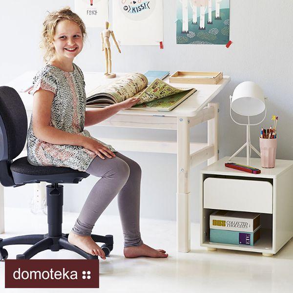 Rozglądasz się za biurkiem dla pierwszaka? Pamiętaj, że przede wszystkim musi być wygodne i sprawiać, że praca przy nim będzie czystą przyjemnością. Salon Flexa Polska - meble dla dzieci przygotował kilka wskazówek na co zwrócić uwagę przy zakupie biurka dla dziecka.