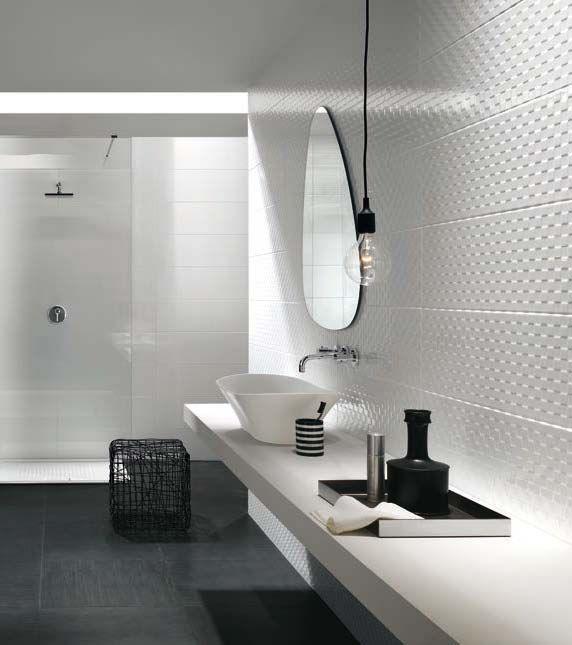 les 128 meilleures images du tableau carrelage salle de bains sur pinterest carreaux de mur et. Black Bedroom Furniture Sets. Home Design Ideas
