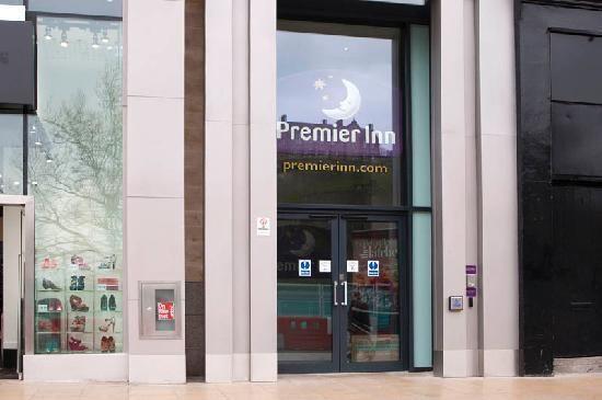 Premier Inn Edinburgh City Centre (Princes Street)